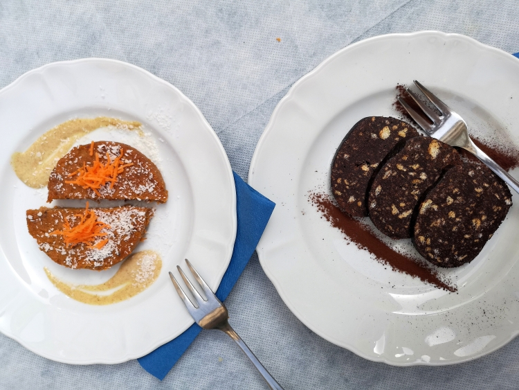 Raw carrott cake & chocolate cake